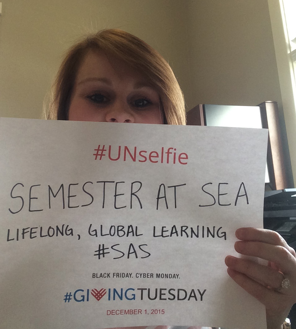 Foundation supporters show their #GivingTuesday spirit with an #UNselfie